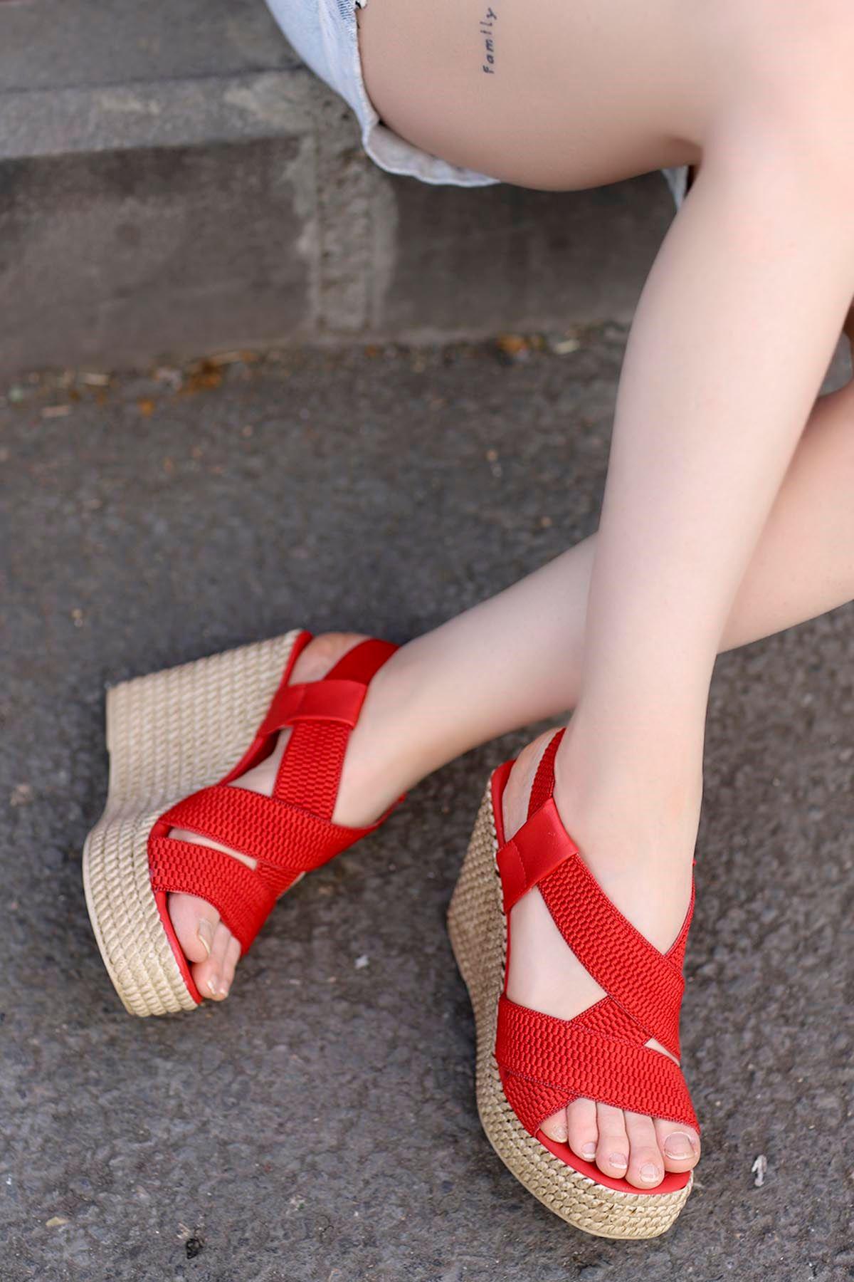 Joyje Dolgu Sandalet Kırmızı