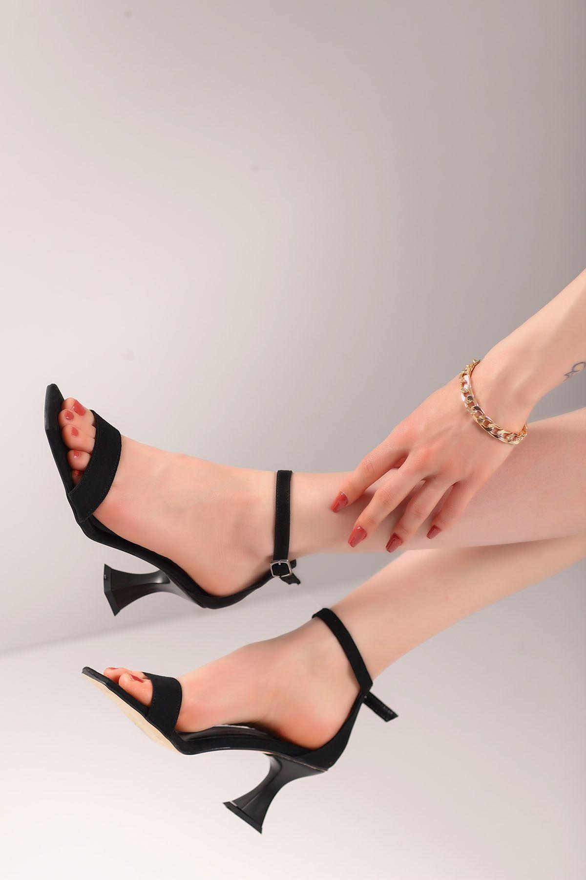 Lia Tek Bant Topuklu Ayakkabı Siyah