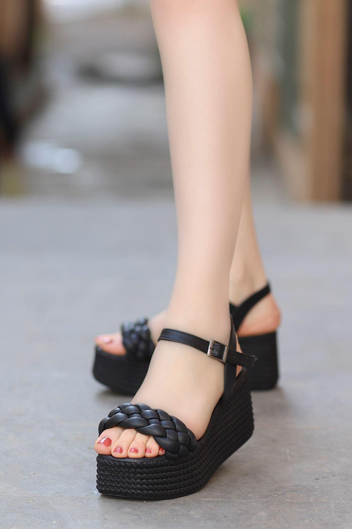 Diana Kemer Örgülü Sandalet Siyah