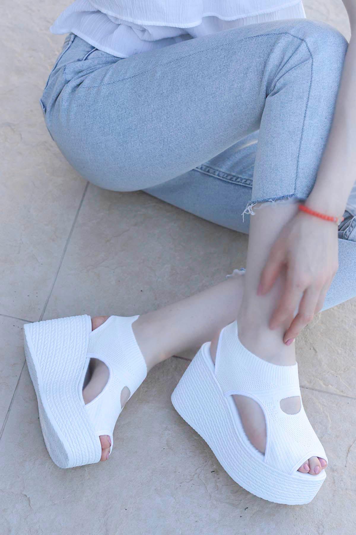 Moli Triko Dolgu Sandalet Beyaz