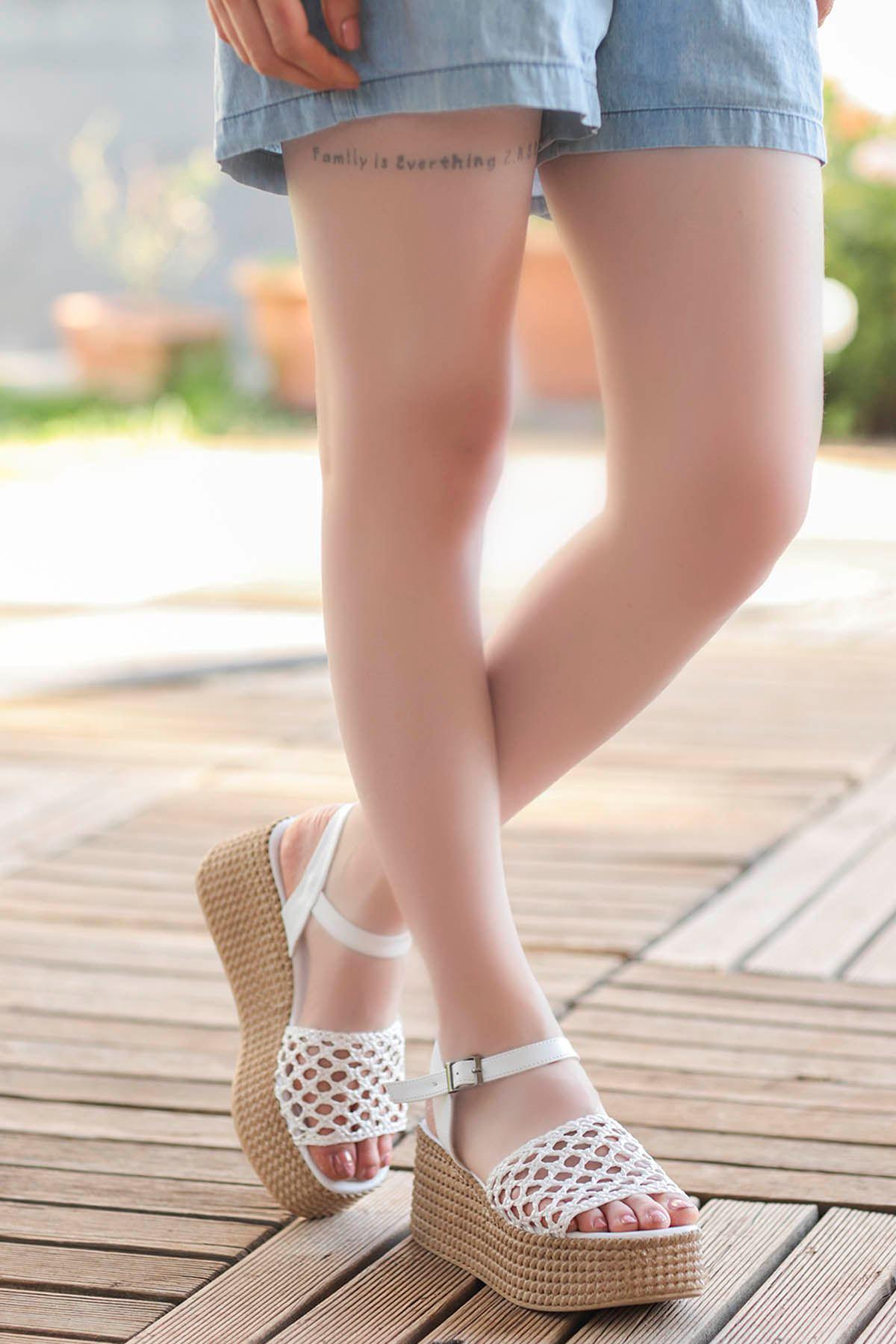 Nora Örgü Dolgu Taban Sandalet Beyaz