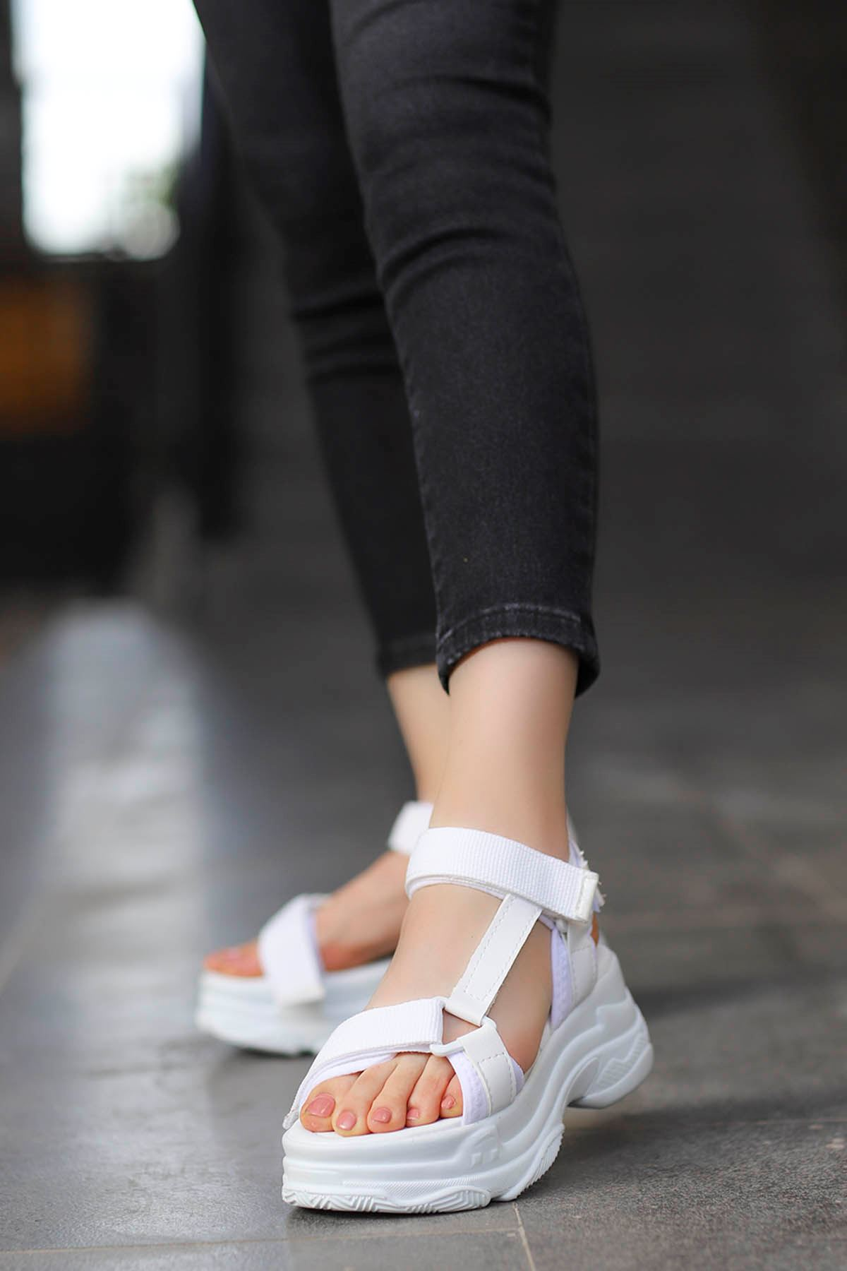 Rafael Dolgu Taban Sandalet Beyaz