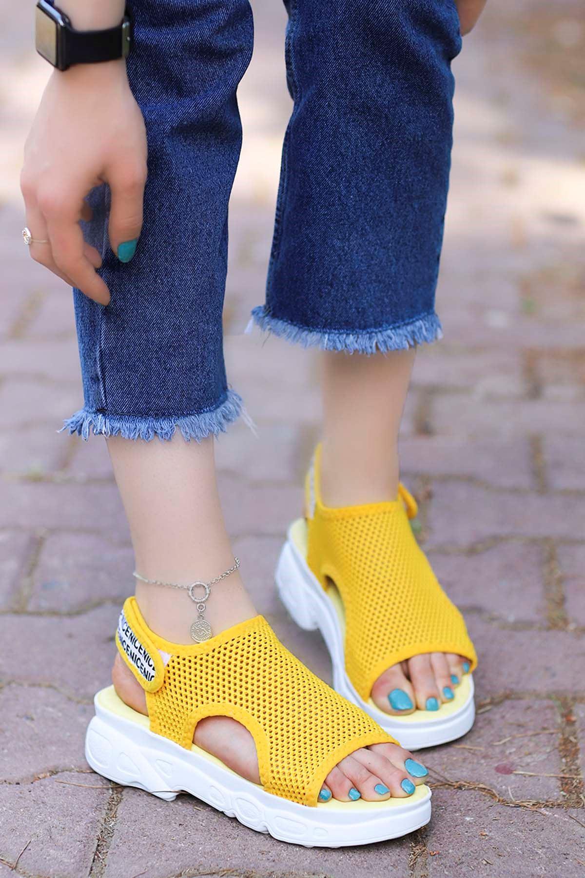 Dubai Cırtlı Triko Sandalet Sarı