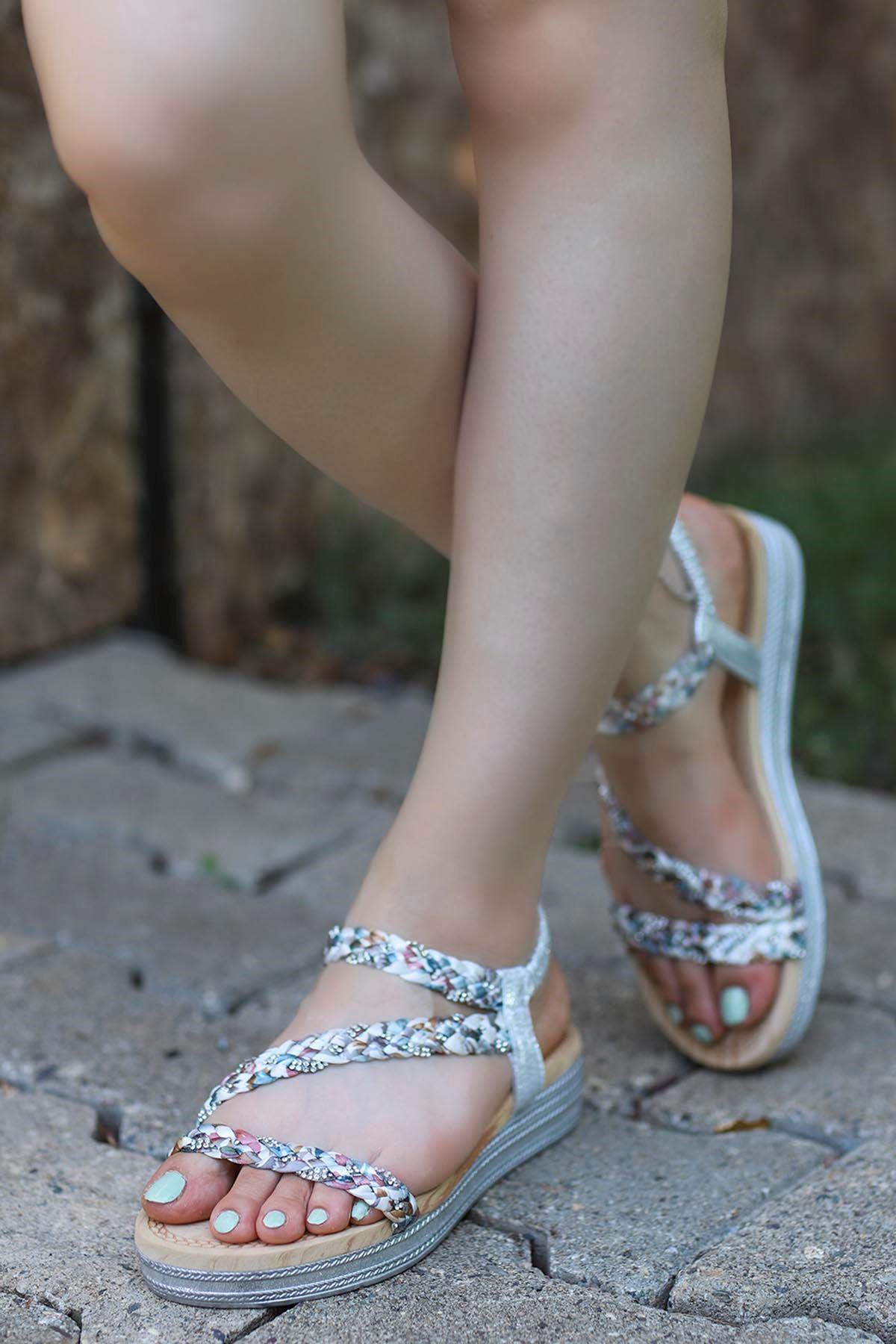 Guja Örgülü Taş Detay Sandalet Gümüş 20Y170