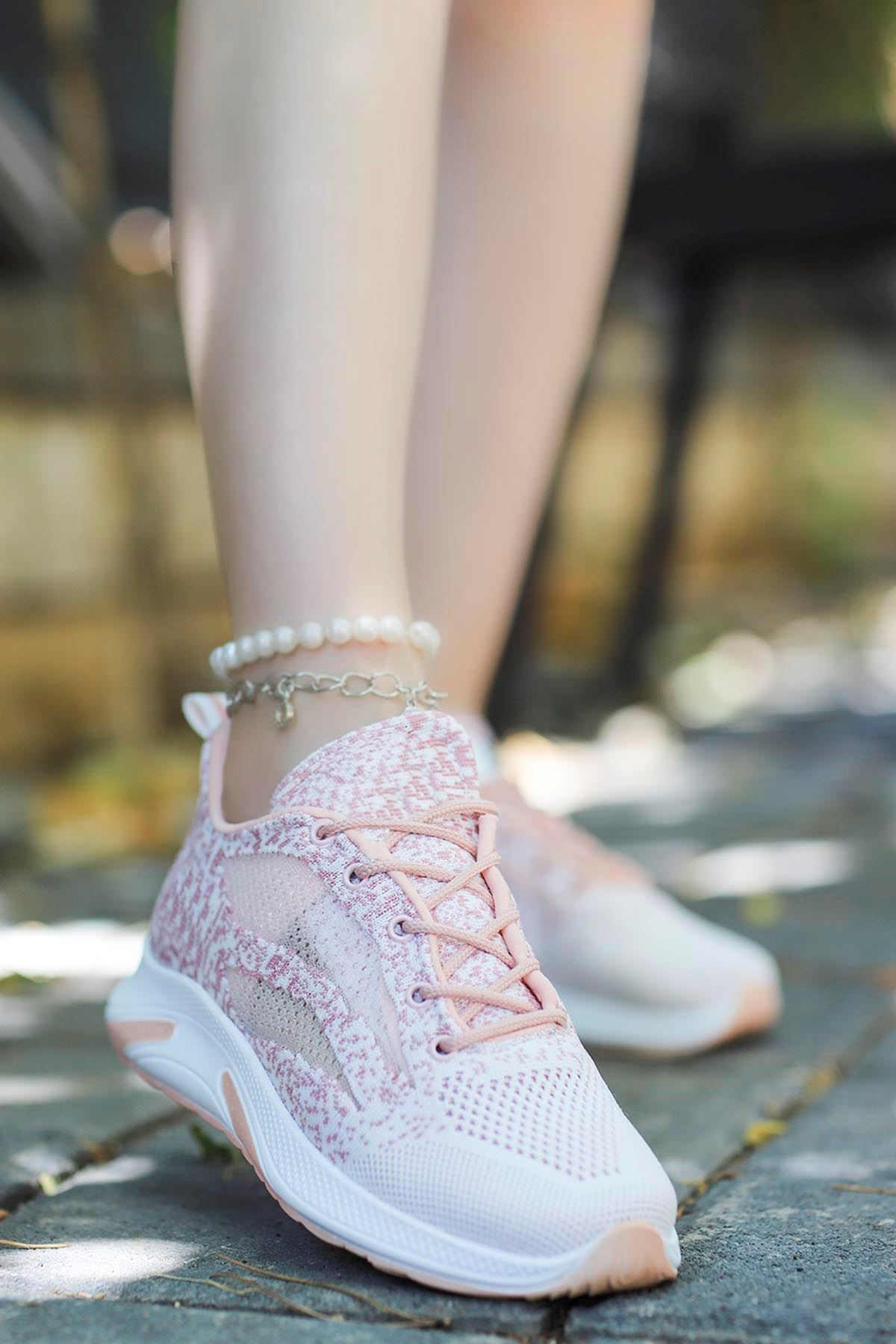 Madonna Yan File Detay Spor Ayakkabı Pudra