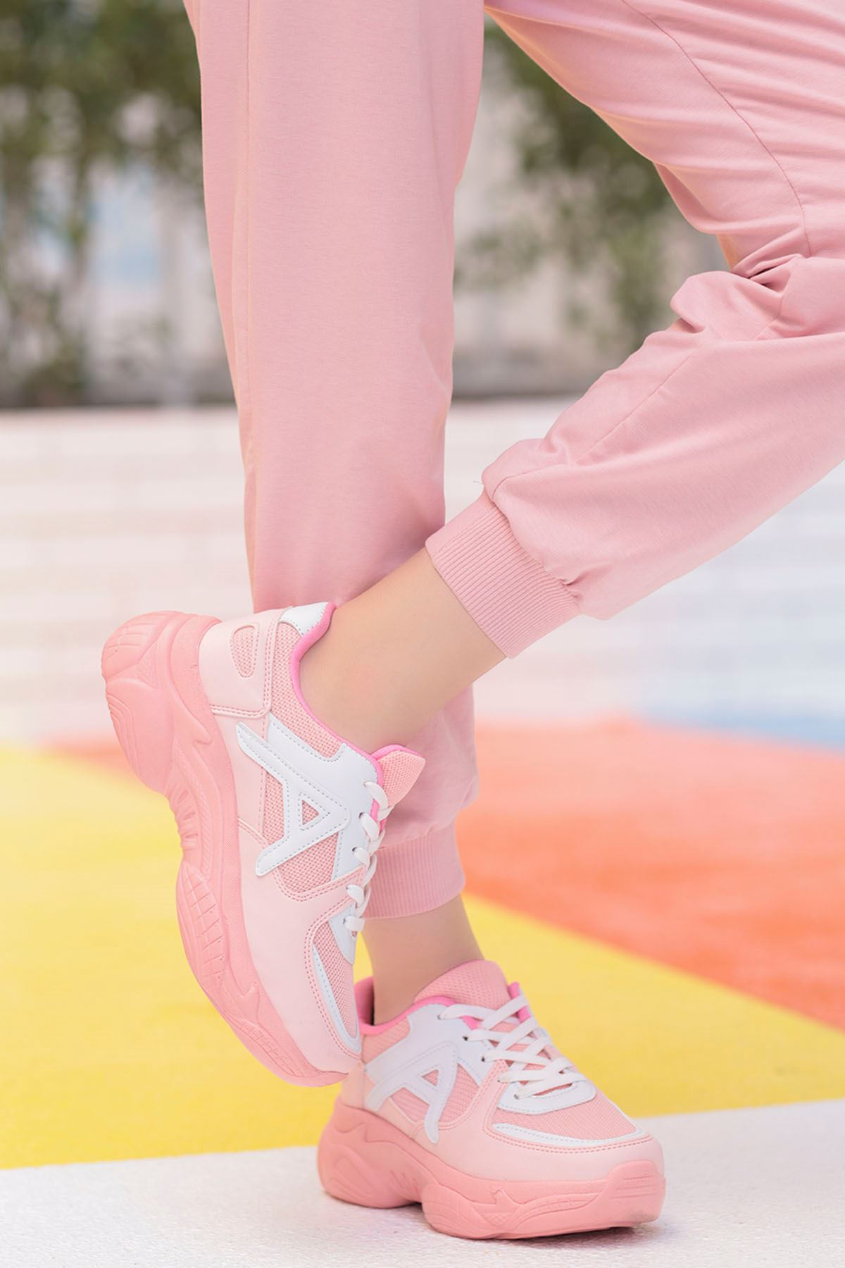 Afra A Detay Spor Ayakkabı Pudra Beyaz Detay