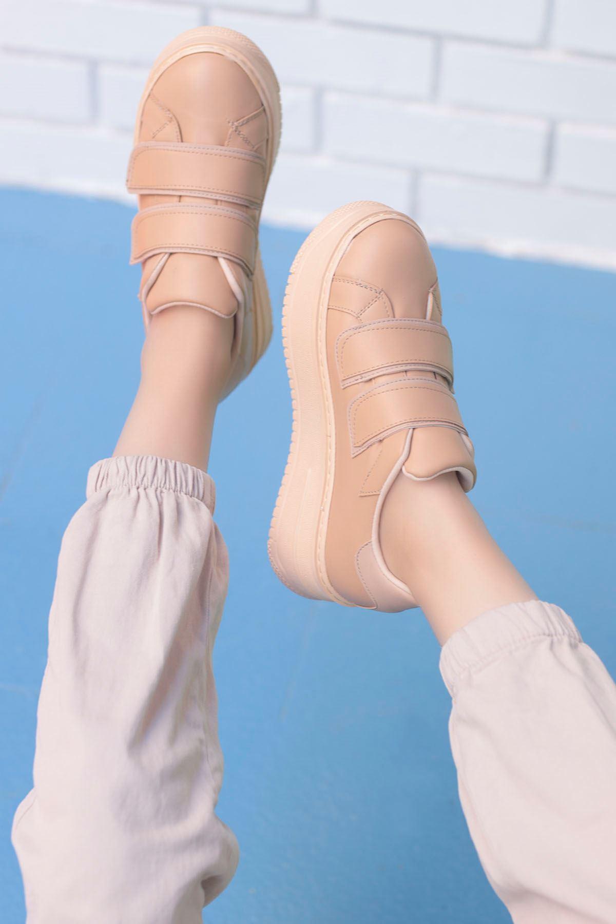 Mahaza Kalın Topuk Cırtlı Detay Spor Ayakkabı Krem