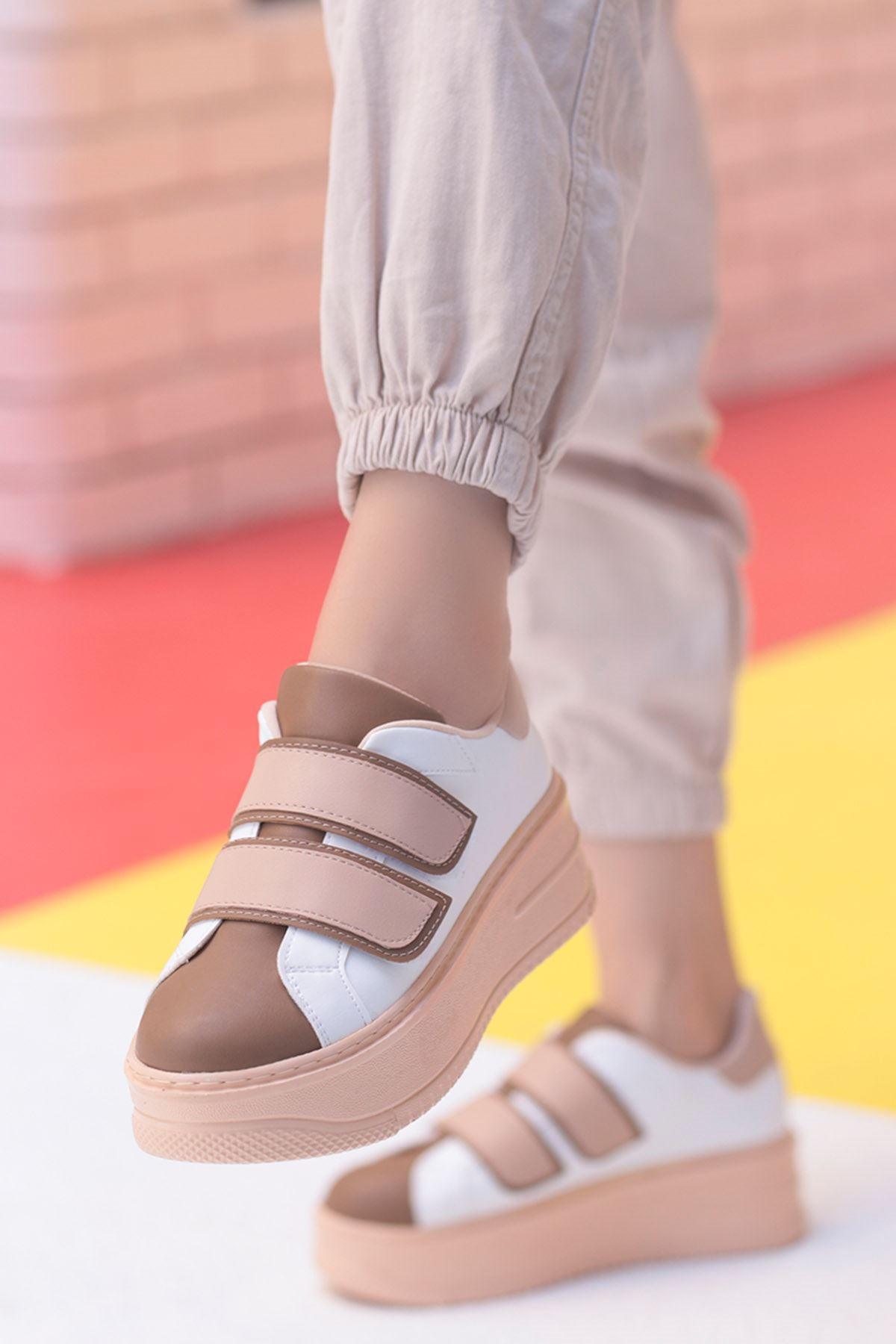 Mahaza Kalın Topuk Cırtlı Detay Spor Ayakkabı Krem Kahverengi Detay