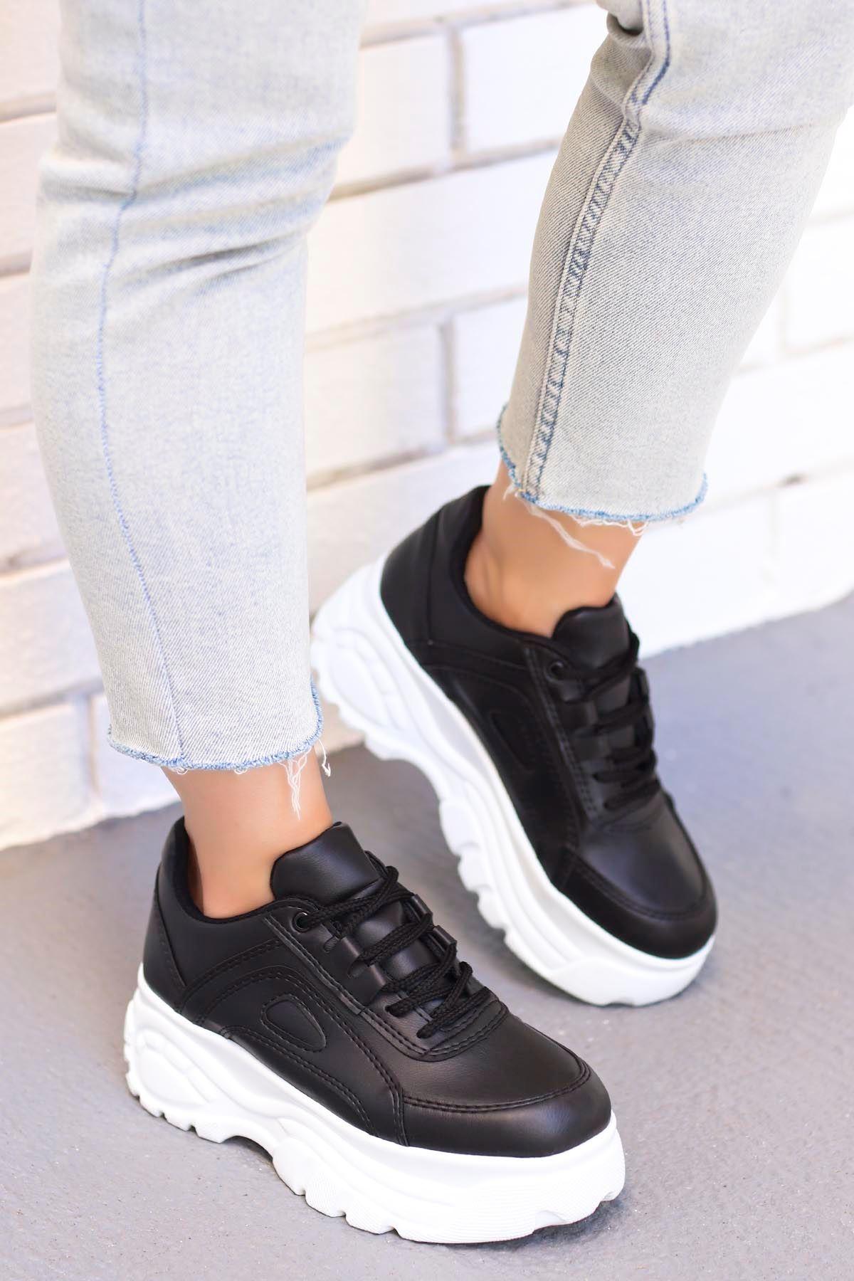 Peri Tabanlı Spor Ayakkabı Siyah Beyaz Taban