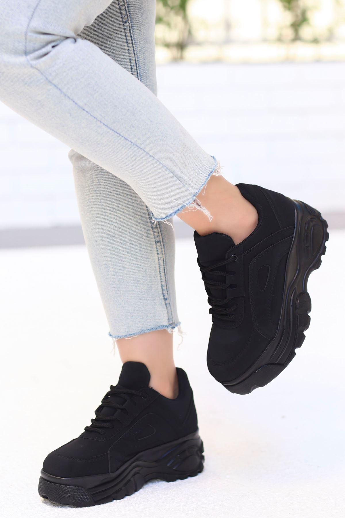 Peri Tabanlı Spor Ayakkabı Siyah Süet