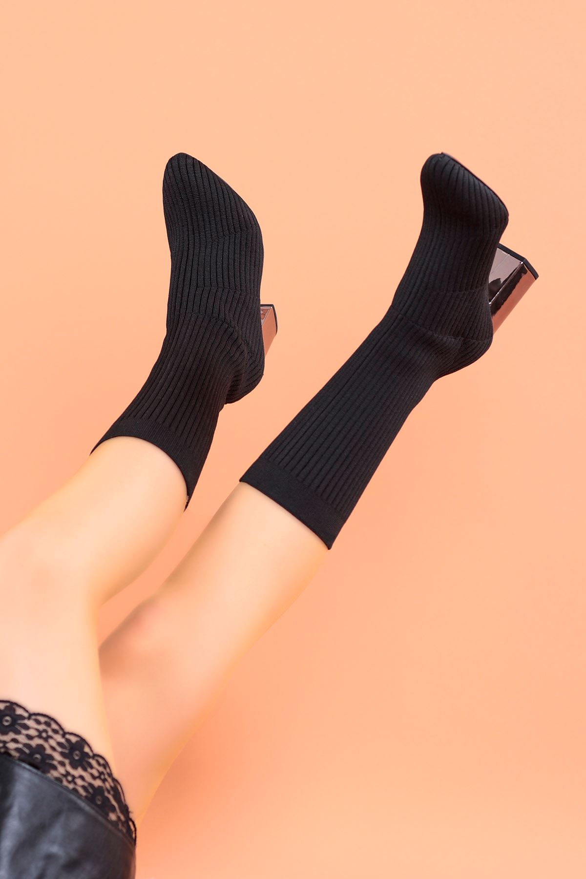 Katrin Çelik Örme Ayna Topuk Diz Altı Triko Çizme Siyah