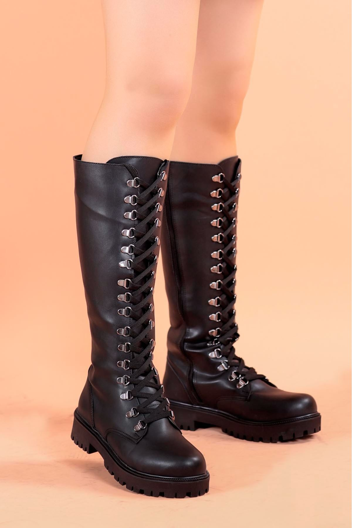 Marjan Kapsül Detay Diz Altı Çizme Siyah Deri