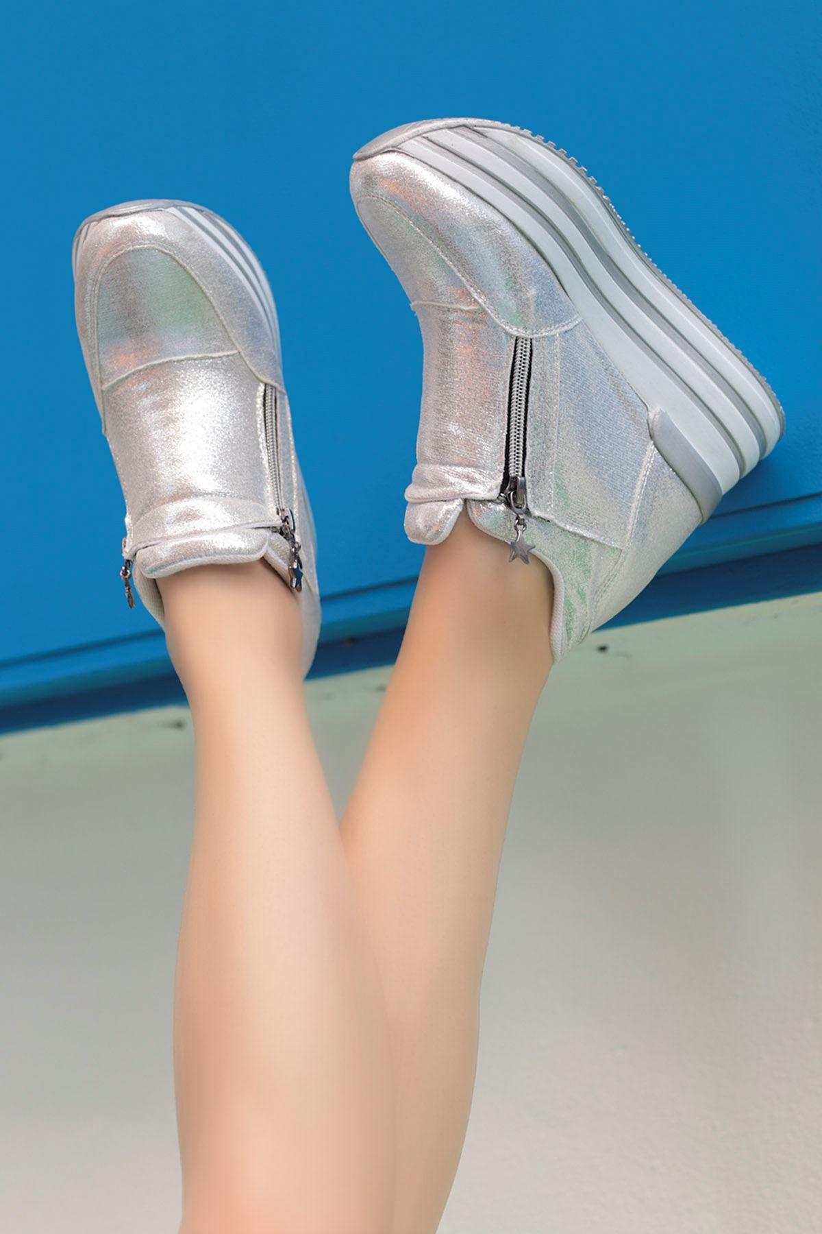Durica Dolgu Topuk Fermuarlı Spor Ayakkabı Gümüş Gri