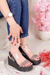 Şanzelize Siyah Şeffaf Taş Detay Dolgu Taban Sandalet